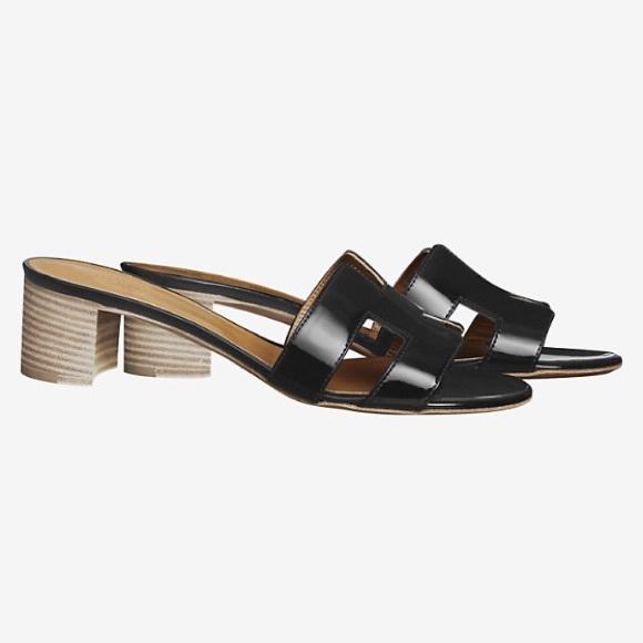 2543e736a809 Hermès Oasis Black Patent Sandals